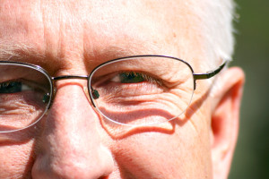 Problemy z pamięcią u seniora – jak im pomóc