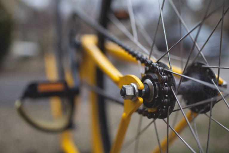 Pora roku wiosenno letnia to perfekcyjna  chwila żeby używać rowerów – to czynny wypoczynek